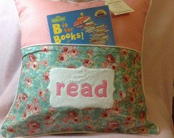 Pillow cover with book pocket for girls