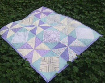 Quilt cover romantic style for baby/a. single piece. Made entirely by hand.