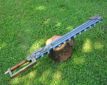 Chainsword to LARP/LARP/Cosplay inspired by warhammer 40 k