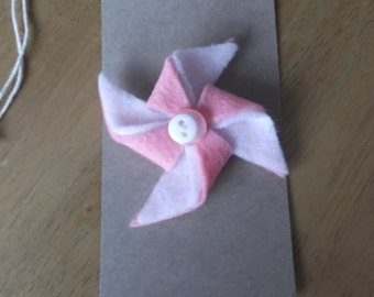 Felt pinwheel style brooch pink