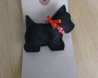 Felt Scottie dog brooch black