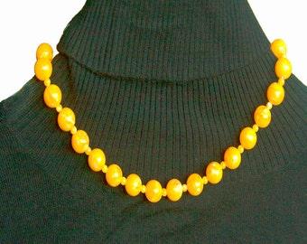 Vintage Pretty Sunshine Yellow Bead Single Strand Necklace