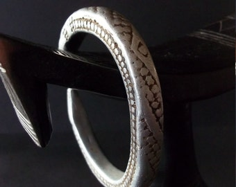 OLD ETHIOPIAN SNAKE bangle, Good signs of age and use, worn by nomads, found in the highlands of southern Ethiopia. Related to the Oromo.