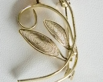 Gold Tone Single Pearl Leaves Pin Brooch