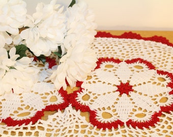 red and white crochet table mat doily, table centerpiece, home decor, pointsettia christmas decorations