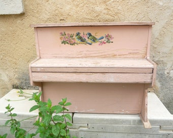 1 france Vintage child piano pink with birds