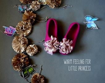 Felted slippers, felt slippers, kids house shoes, slippers  -  Pompons for girls