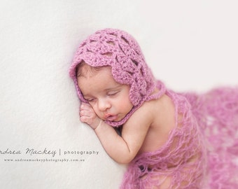 Mohair Baby Bonnet / Photography Prop / Dusky Pink / Newborn Photography / Shell Stitch Bonnet