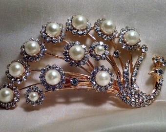 Beautiful Rhinestone Peacock Brooch, Pale Lavender Rhinestones, Faux Pearls