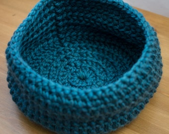 Crocheted Basket // teal