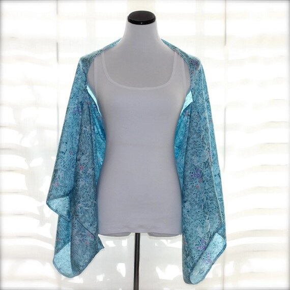 Silky Light Blue Kimono Shrug With Tiny Flower Print