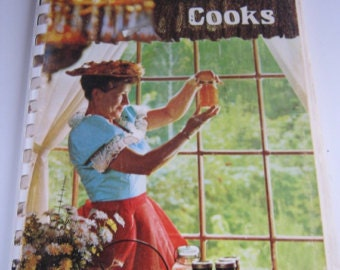 Minnie Pearl Cooks, Vintage Spiral Bound Cookbook, Country Music Entertainer Author, Collectible 1970's Cookbook,