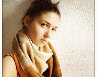 Big scarf with digital print.