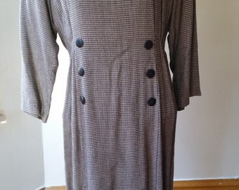 Vintage Katie MFG Houndstooth Long Sleeved Dress