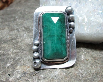 BG-007 ring sterling silver 925 and Emerald free shipping / Free Shipping