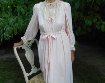 Glamorous 1940's Light Pink Nightgown/Peignor Set Lingerie