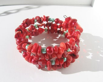 Red Coral Bracelet; Valentines Gift, Gemstone Chip Bracelet, Memory Wire Bracelet, Red Bracelet, Gifts, Bracelets, Valentines Day Gift