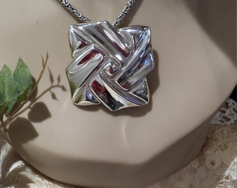 Sterling silver vintage contemporary design pendant