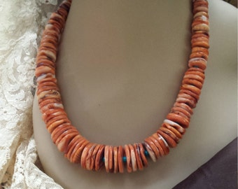 One strand large spiny oyster and turquoise necklace