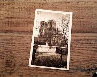 Vintage Paris postcard Les Petits Tableaux de Paris Notre Dame Cathedral Mona post card