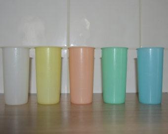 Five tumblers Tupperware vintage - pastel colors - kitchen or picnic retro - Festival