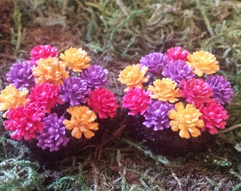 Miniature flowers. Fairy garden accessories, dollhouse, terrarium decor. Set of 2 miniature round flower beds.