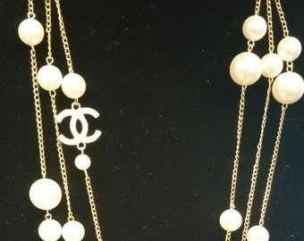 Beautiful long C Pearl Necklace Black or White