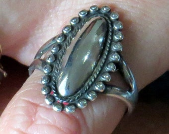 Antique, Silver on Silver Oval Ring, sz 8 - 6