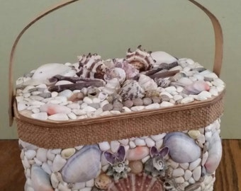 Vintage Shell Decorated Purse