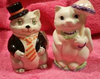 Otagri hand painted japan dresses up cat couple salt and pepper shakers