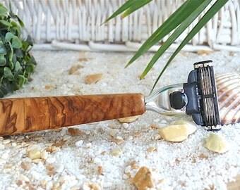 "Razor with olive wood handle Gillette Mach-3 ""Makalu"""
