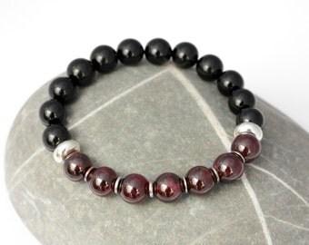 Garnet Black Onyx Bracelet / 10 mm Black & Deep Red Genuine Gemstone Stretch Bracelet / Men's Women's Stacking Beaded Bracelet