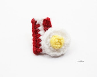 Bacon and Egg Brooch