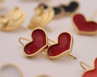 Goldplated Dangle Hearts Earrings with Enamels and Pigments