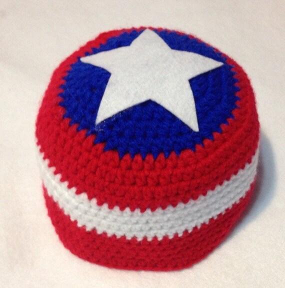 Gorro tejido de Capitan America para bebe y por HandmadeByCouturier