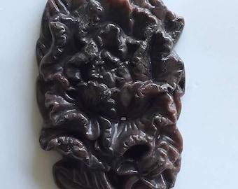 200.00ct Carved Jasper Flower Pendant - Beautiful Cameo Cut detail stone