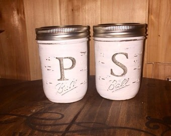 Distressed mason jar salt and pepper shakers plaster white rustic antique look farmhouse