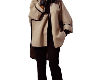 Beige cape! Wool short cape/Winter beige/Handmade cape/Woman extravagant wool coat/French style/Maxi wool coat/Oversize white beige cape