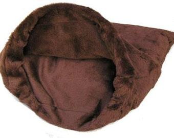 """Med 27""""X30"""" BrownPlush Fur Snuggle Bed"""