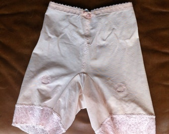 Vintage 1960's Pink Lace Girdle Small