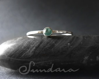 Apatite 3mm Cabochon Stacking Ring