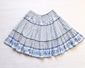 Vintage Indian cotton skirt / size M-L / blue & white cotton print sheer gauze