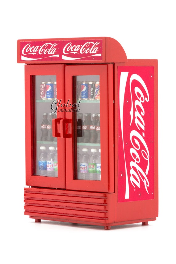 puppenhaus miniaturen coca cola doppelt r k hlschrank k hler. Black Bedroom Furniture Sets. Home Design Ideas