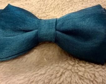 Bow tie - Pajarita seda azul pavo real