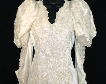 Vintage 80's White Wedding Dress      VG102