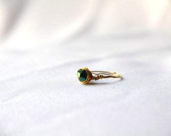 Gold Wire Emerald or Purple Ring
