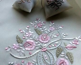 Machine Embroidery Design - Flower bouquet (2 in 1)