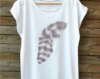 FEATHER grey. Oversize fashionable women's t-shirt. Very soft. Combed cotton. For lovers of feathers. White blouse. Short sleeve.