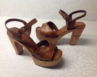 Vintage 70's Bare Traps Platform High Heel Shoes-Gently Used