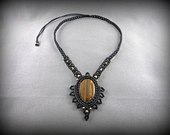 Macrame necklace with a tiger's eye cabochon